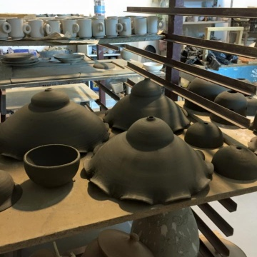 Ceramic products in processing (photo Cotti d'Arbus Daniela Melis)